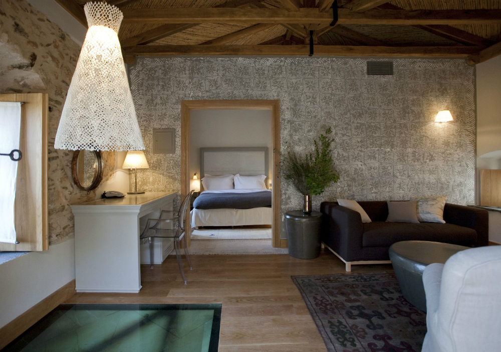 Kinsterna Luxury Hotel Monemvasia Deluxe_Suite.jpg