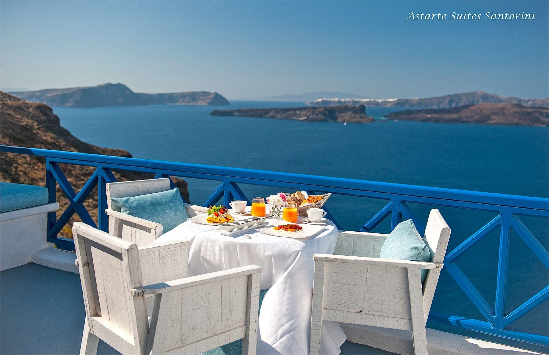 Astarte_Luxury_Suites_in_Santorini_island_Greece.jpeg