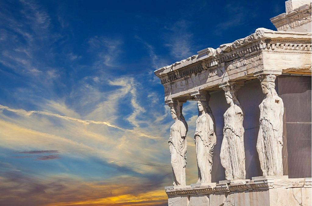 Caryatids+of+Acropolis+%281%29.jpg