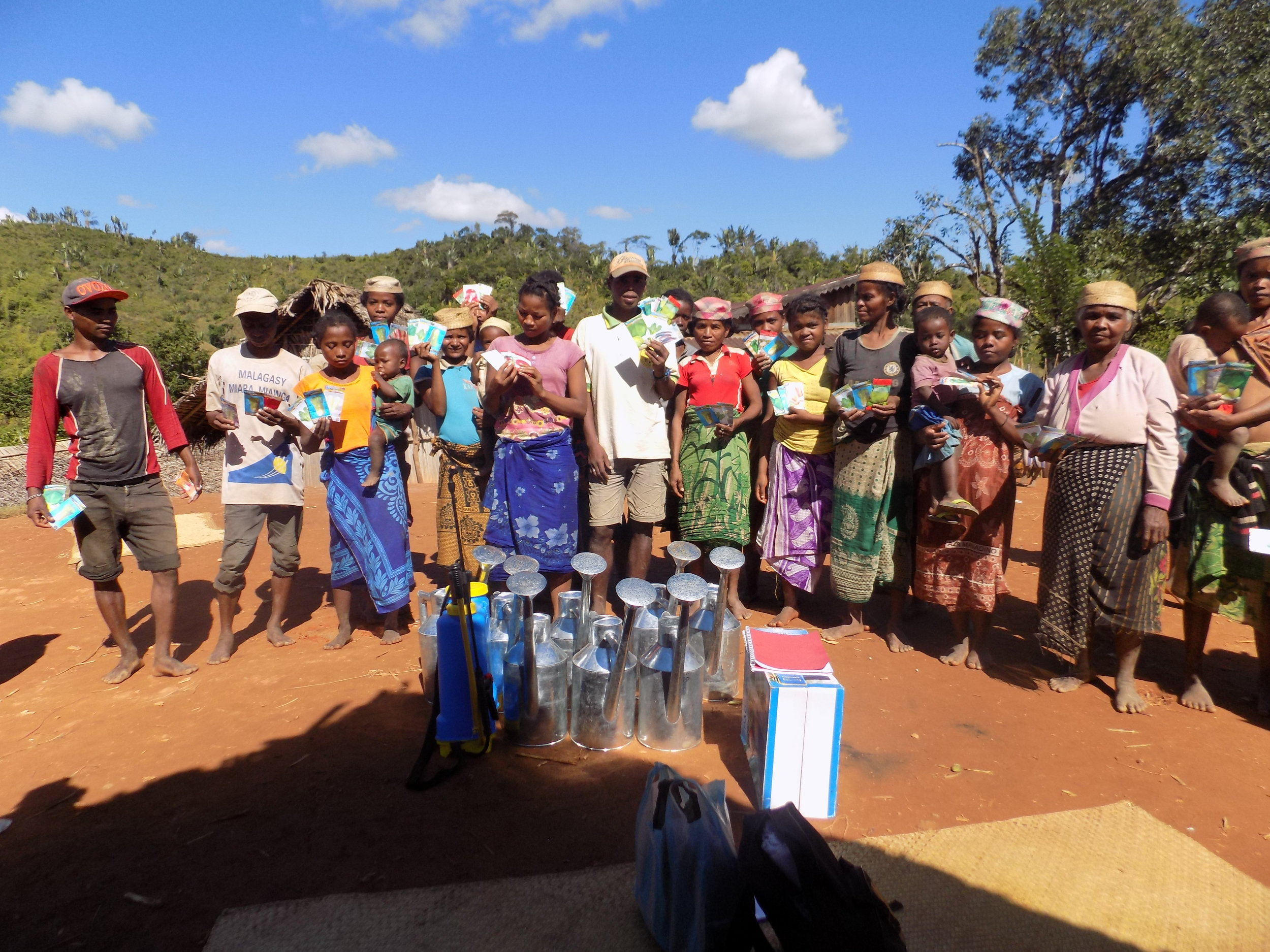 Distribution of seeds and gardening materials at Volotara.