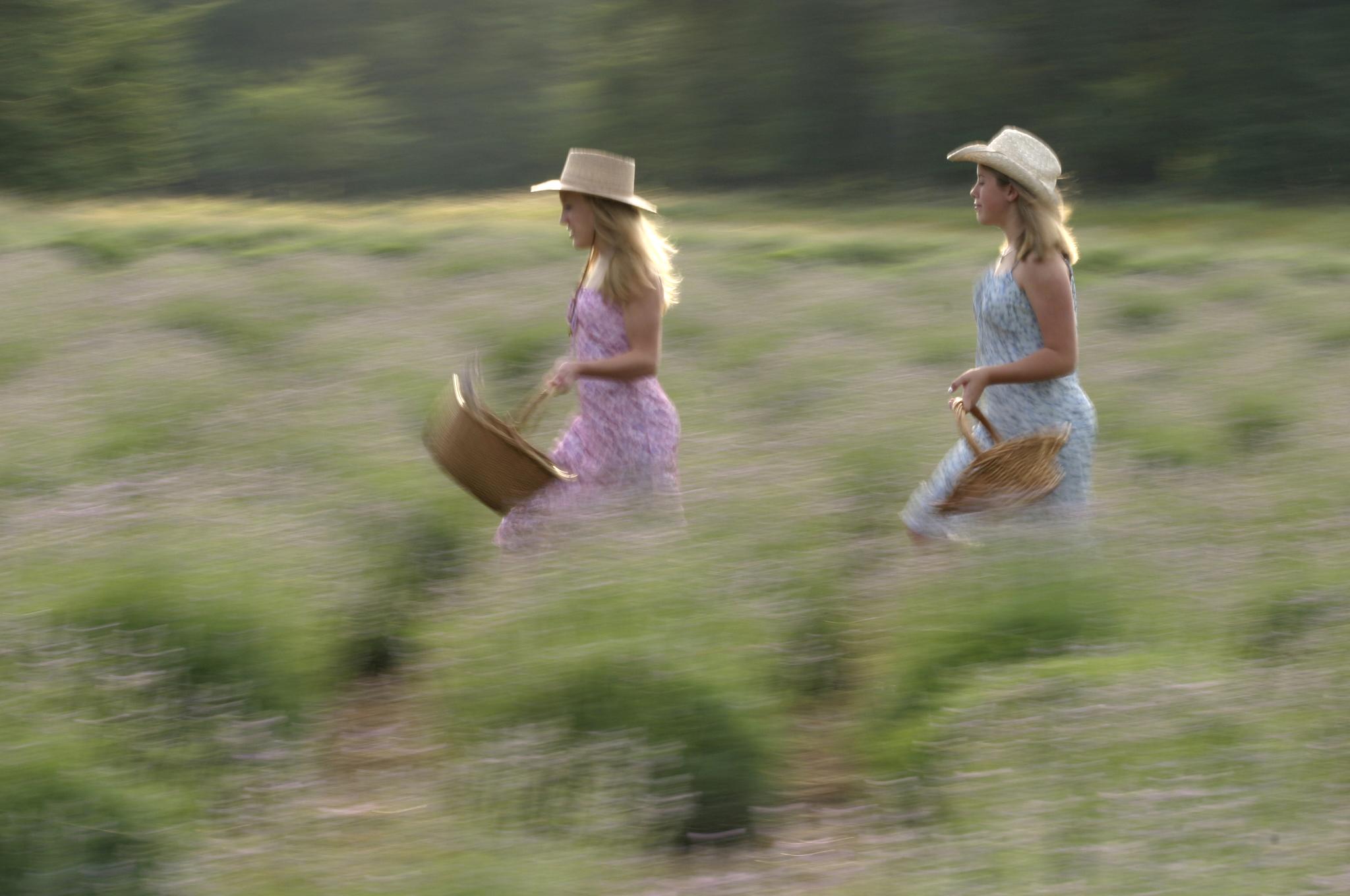 Blurry Girls 1.jpg