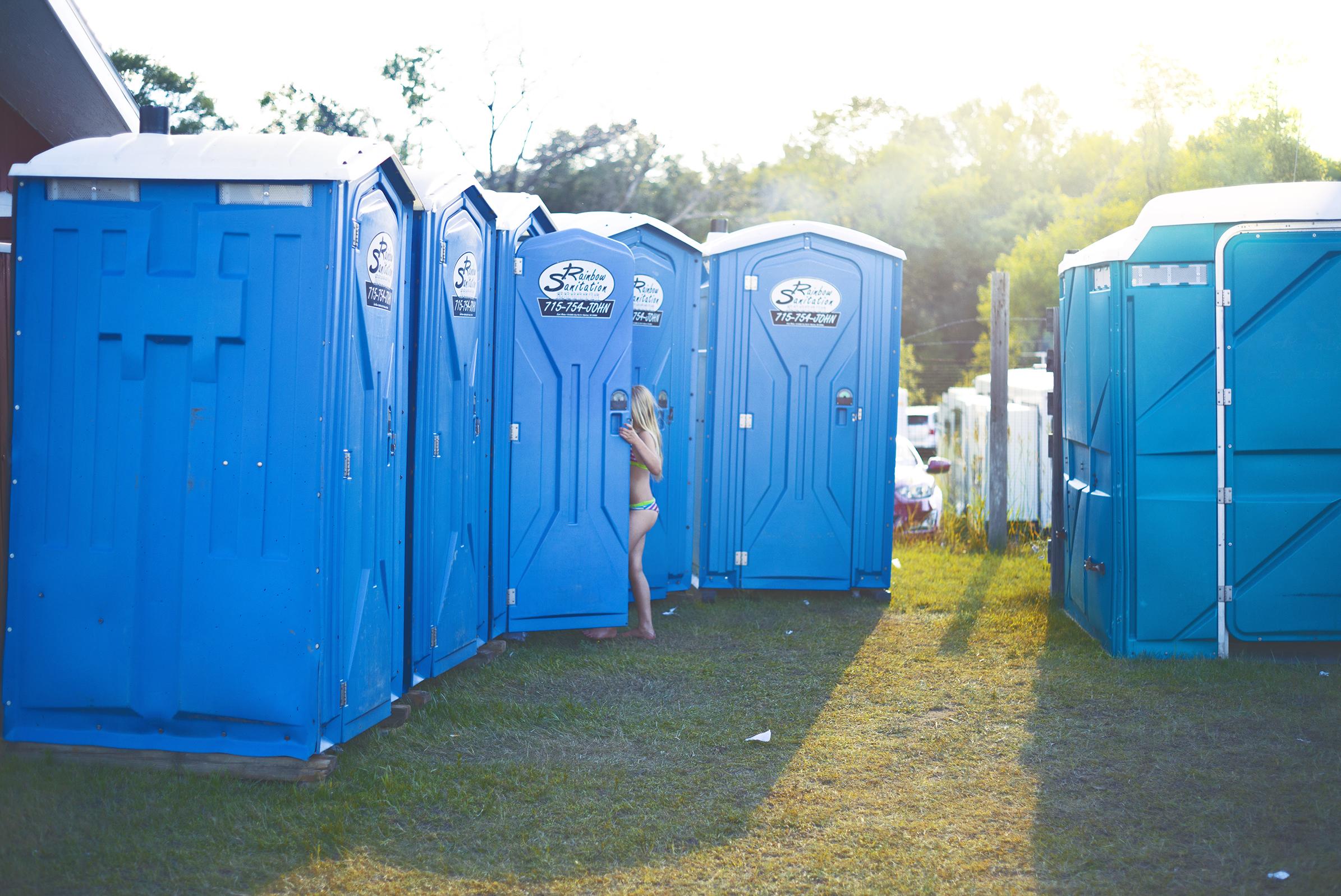 ToiletGirl.jpg