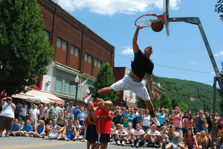 One of the most famous dunks in the history of the Hoopsfest Dunk Contest