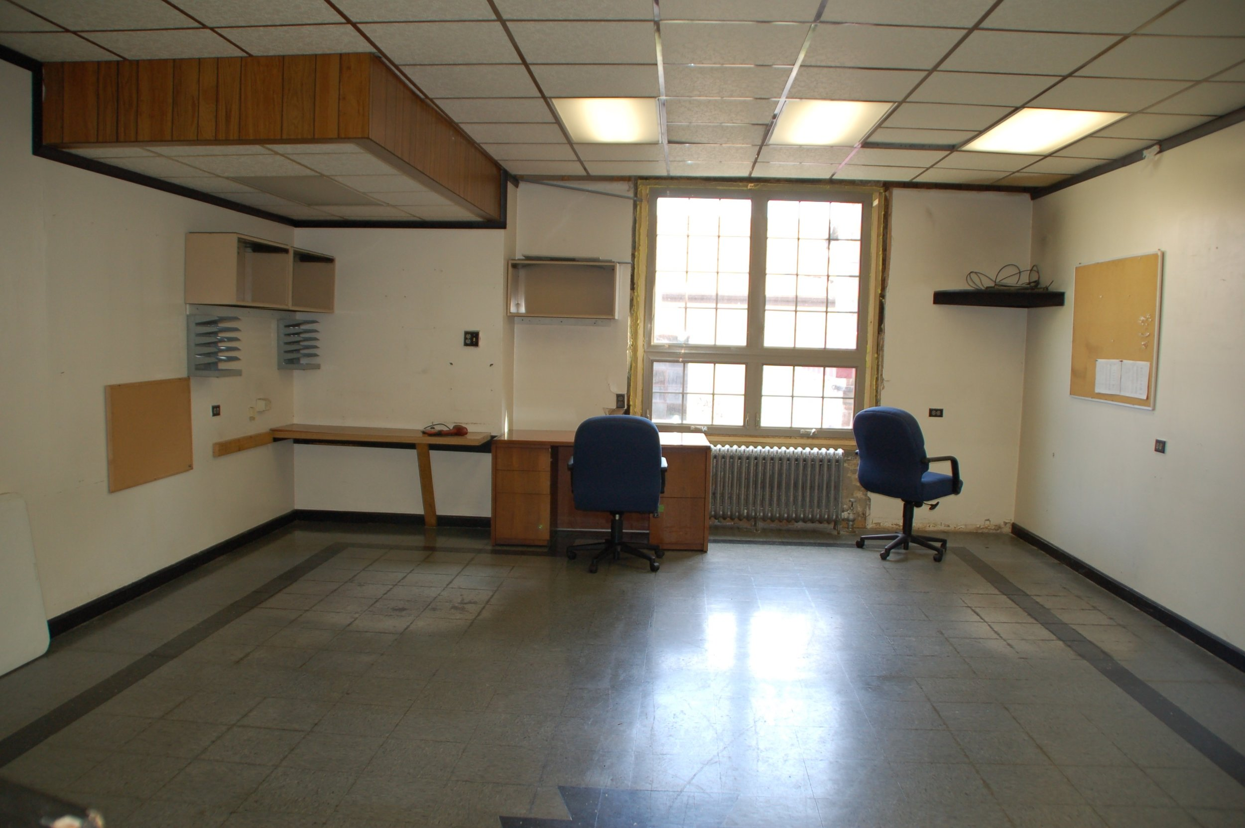 A view of a 1st floor office.