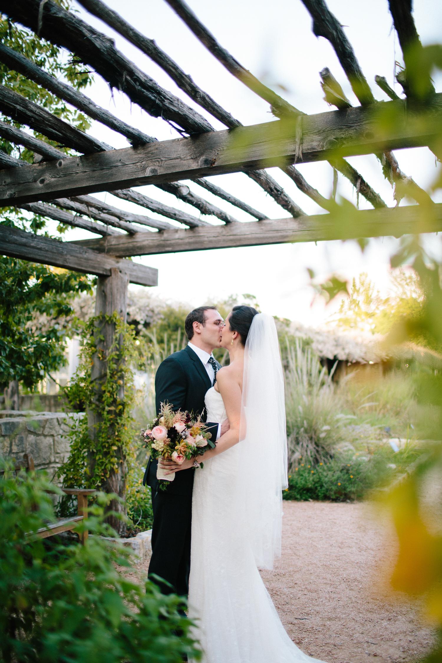 Kate_Jon_Wildflower_Center_Wedding00020.jpg