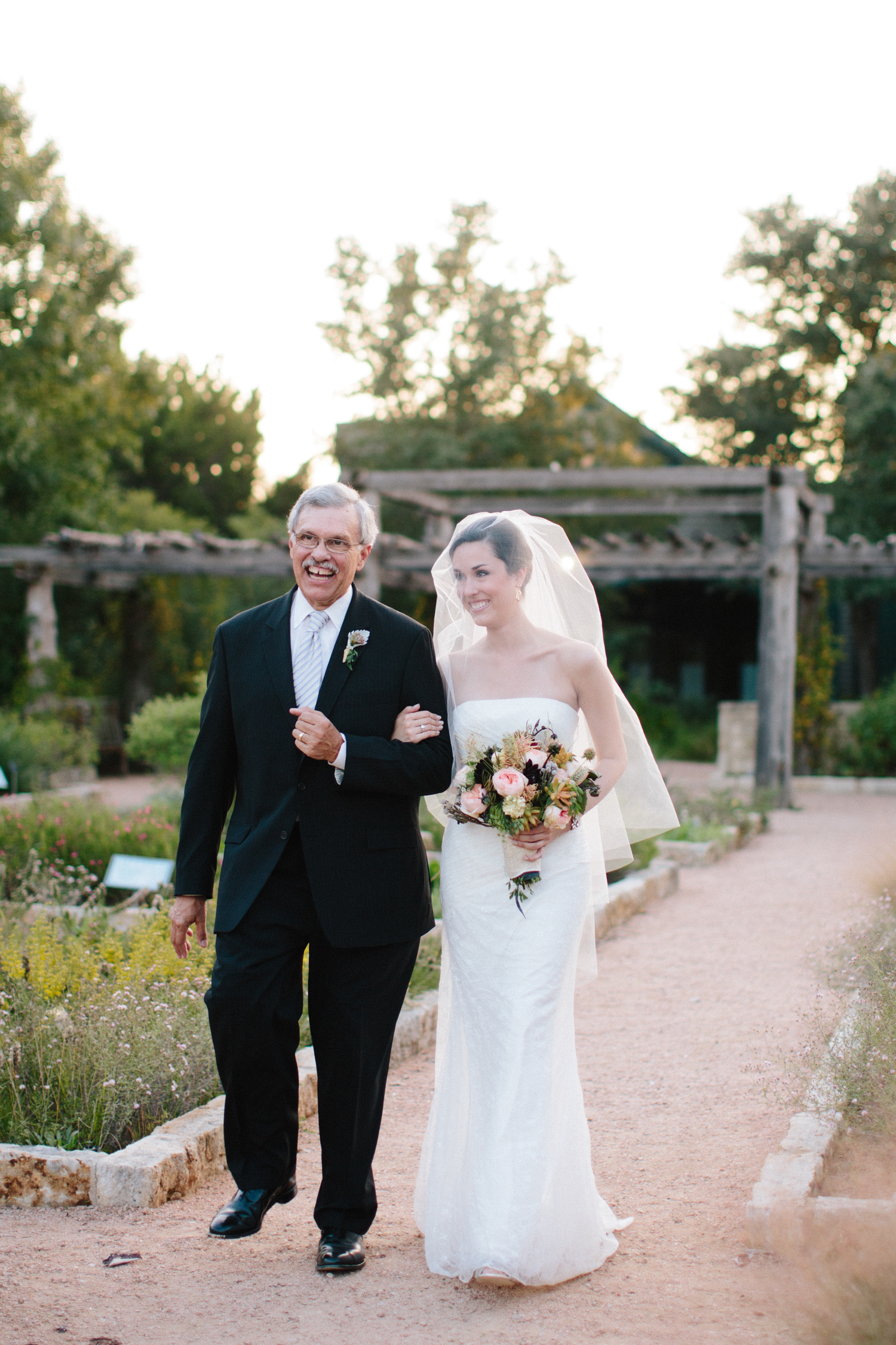 Kate_Jon_Wildflower_Center_Wedding00026.jpg