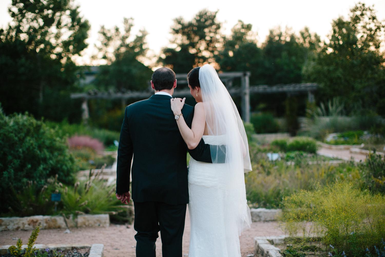 Kate_Jon_Wildflower_Center_Wedding00032.jpg