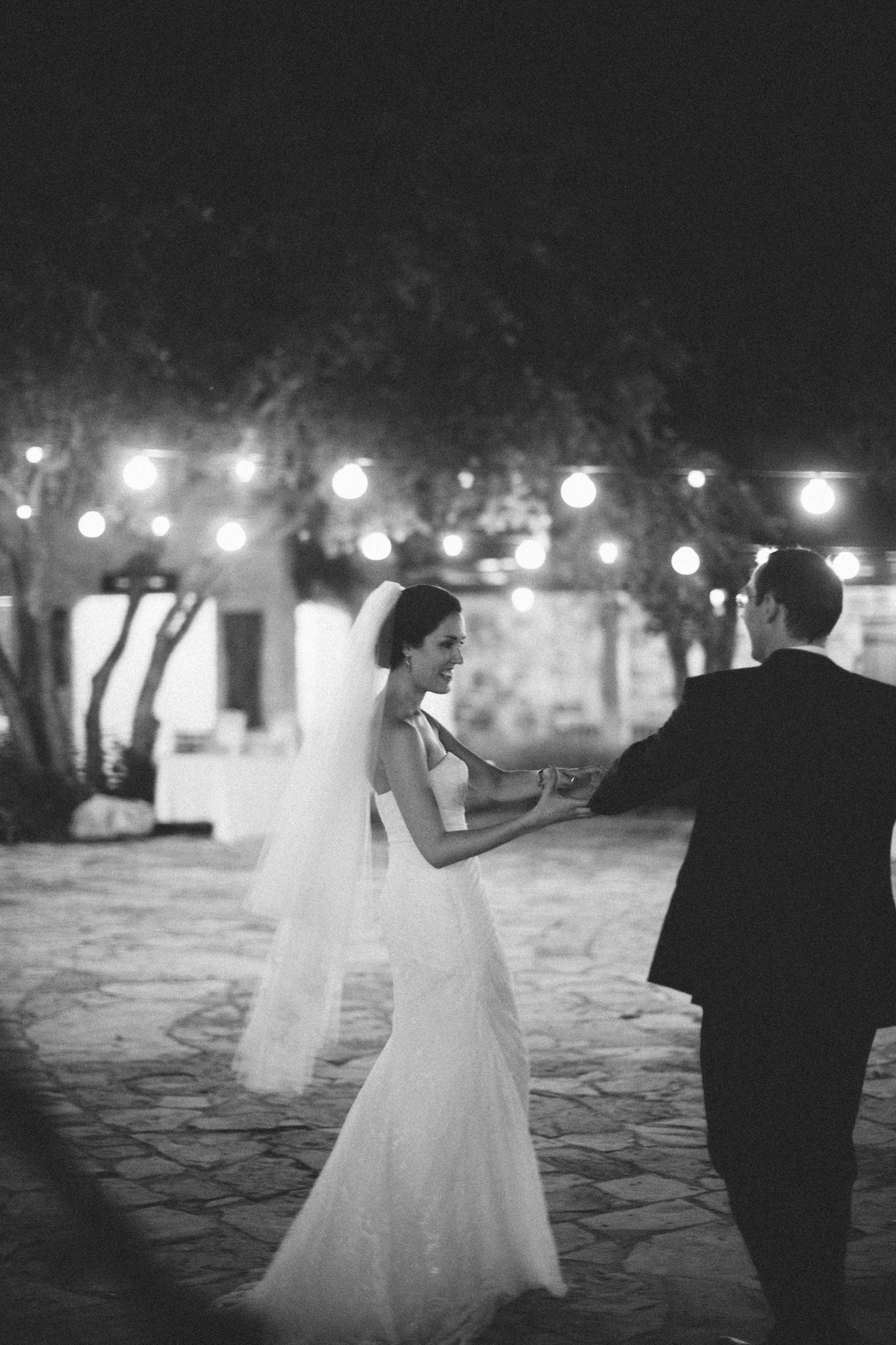 Kate_Jon_Wildflower_Center_Wedding00066.jpg
