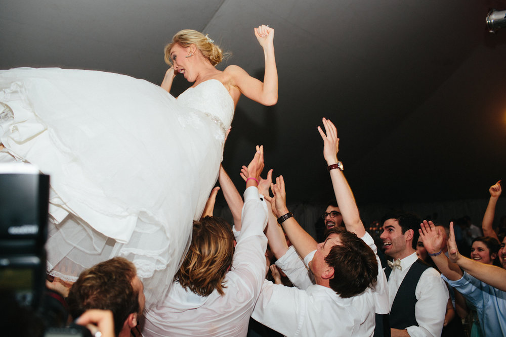 Paige-Newton-Wedding-Photography-Bride-Toss.jpg