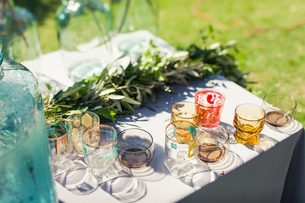 Paige-Newton-Photography-Wedding-Details-Loot-Vintage-Glassware.jpg
