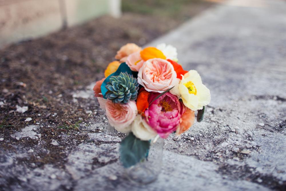 Paige-Newton-Photography-Wedding-Details-Bright-Bouquet.jpg