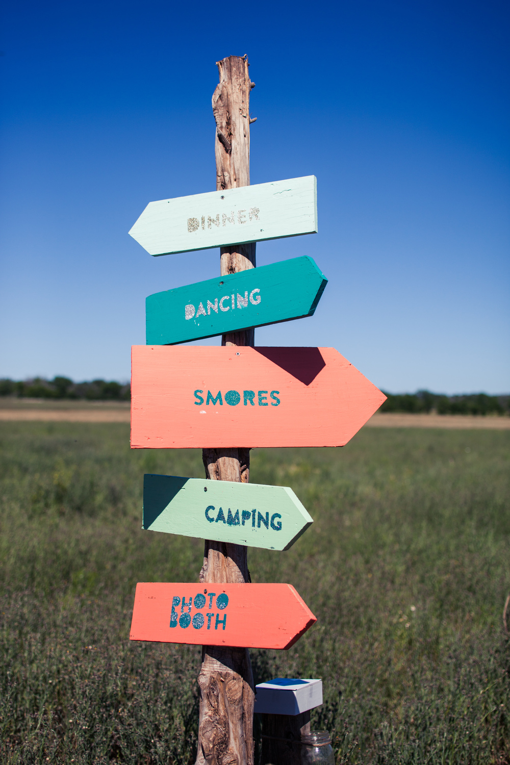 Paige-Newton-Photography-Wedding-Details-Cute-Signs.jpg