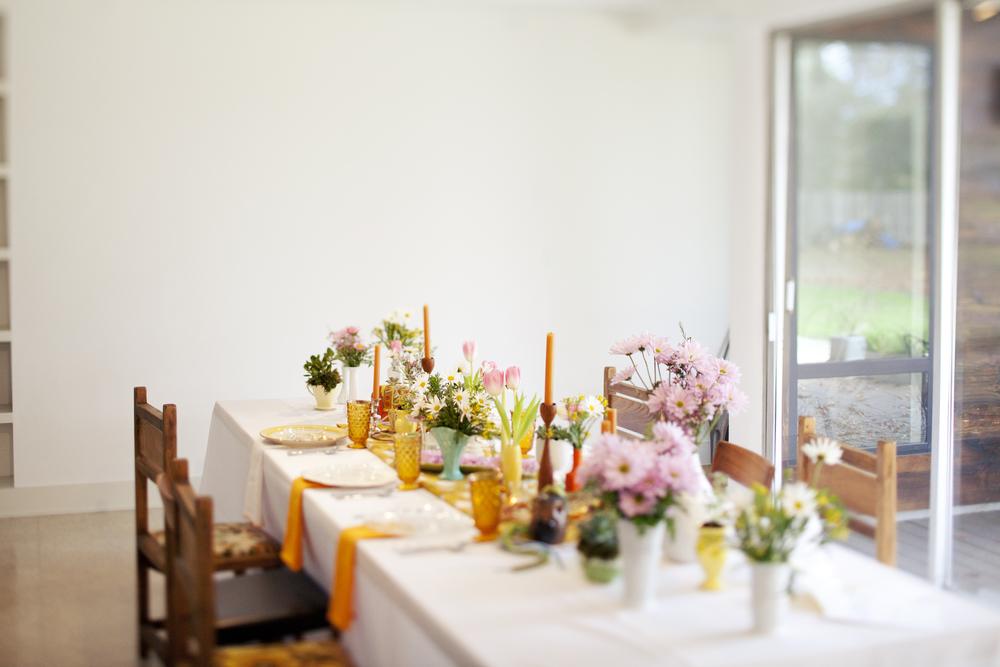 Paige-Newton-Photography-Wedding-Details-Mod-Tablescape.jpg