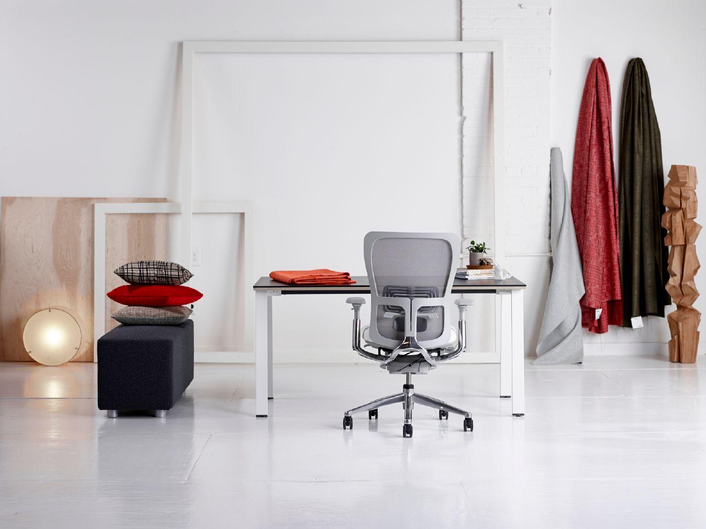 Zody | Reside Desk | SE04 Cube