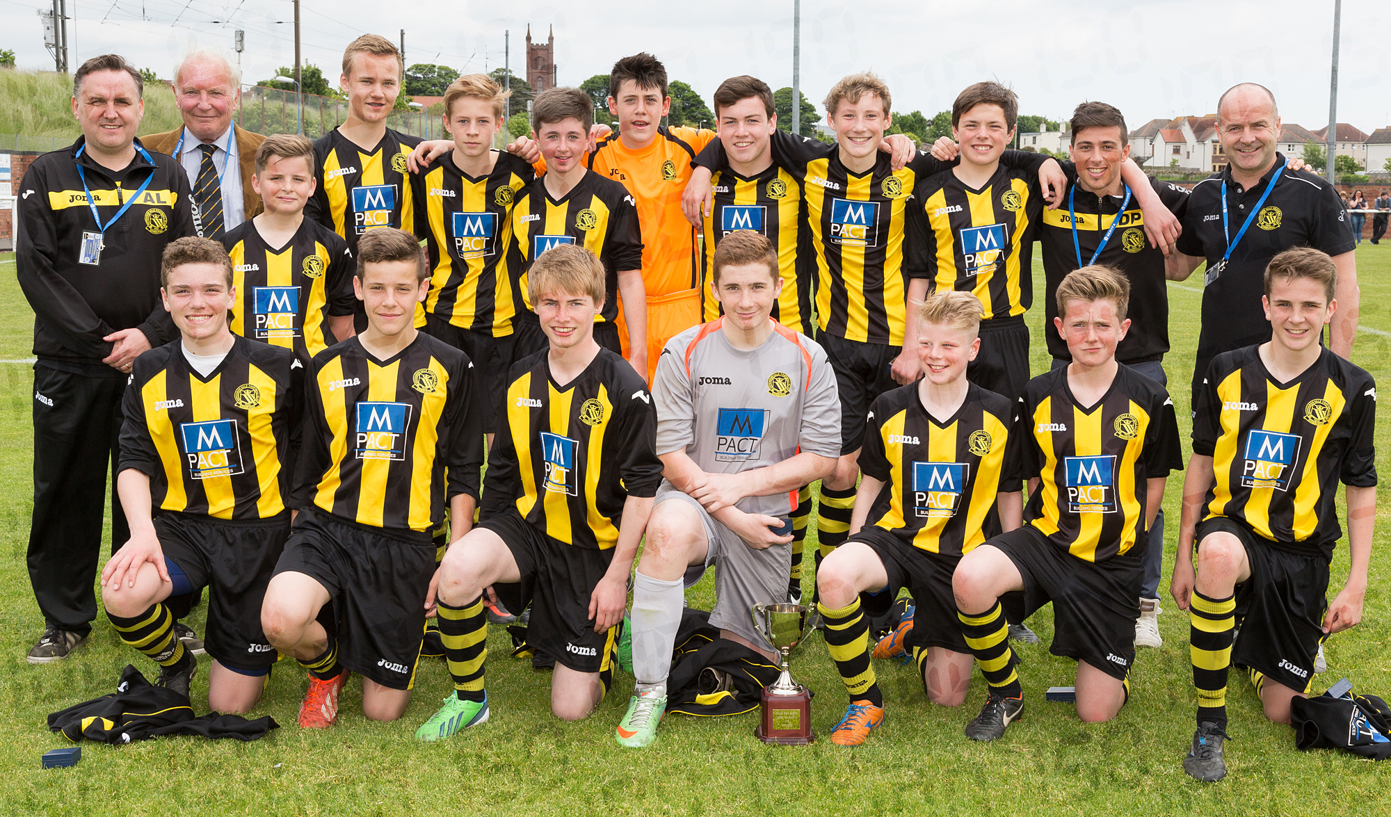 The winning team, Hutchison Vale, show off their trophy.