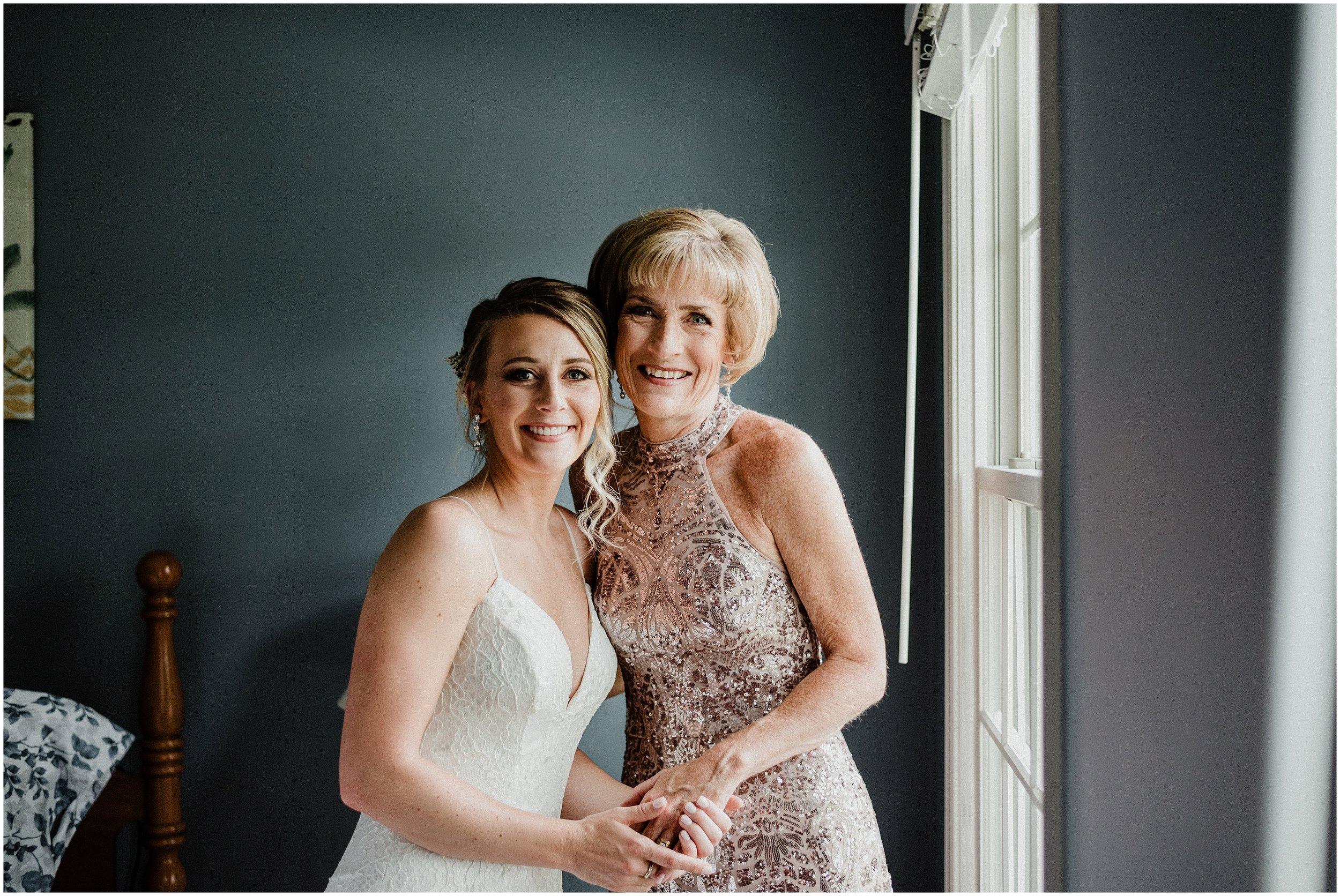 Stephanie and Chris | Elegant Modern Summer Wedding | Meson Sabika, Naperville, IL | Chicago Wedding Photographer