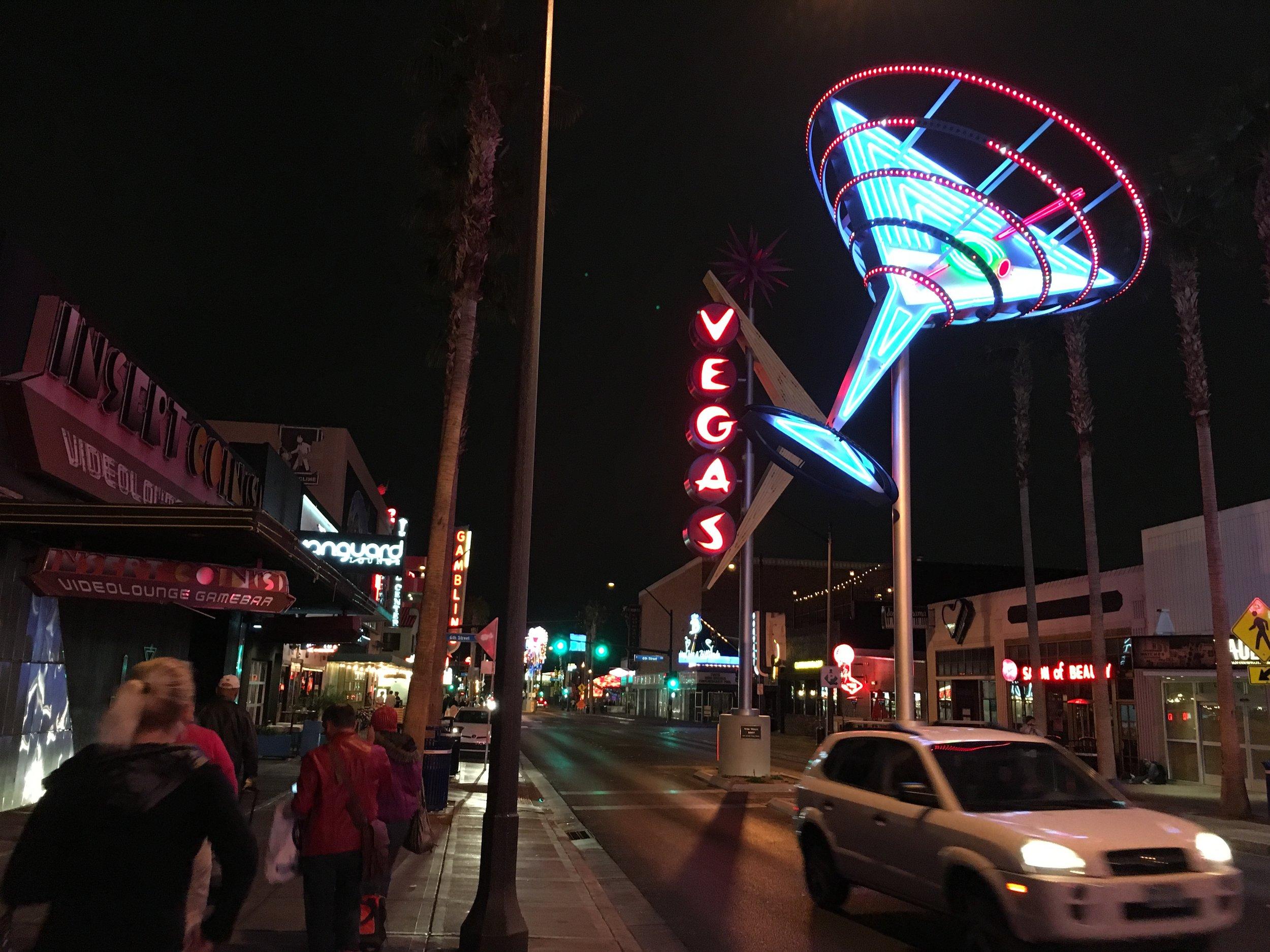 ダウンタウンにはバグジー・シーゲルが所有していたカジノホテルがあるなど、ラスベガスの開発がまさにここから始まったという感じがします。