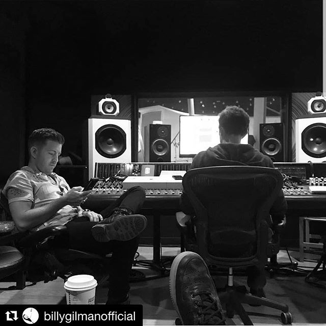 Good times in the studio with @billygilmanofficial and @coreybritz last week!  #songshappen