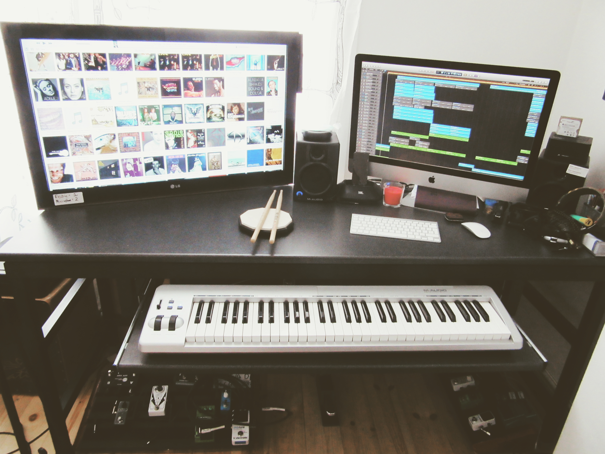 Desk mac piano and pedals.jpeg