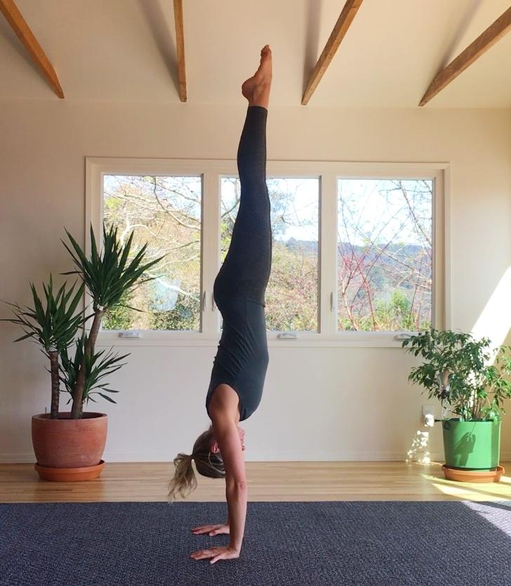 handstand blog.jpg