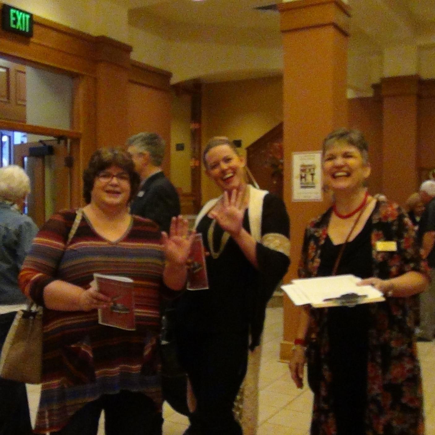 Audience members coming in!