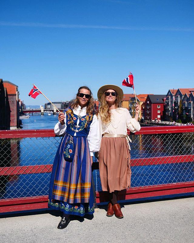 🇳🇴 Hurra for Norway day!! #norge #norway #hurra #nasjonaldag #bunad #inspirasjon #nationalday #nasjonaldagen #hipphipphurra #feiring #hipphurra #fest #nrk17mai | P: @elias_jenssen_