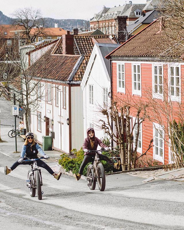 Sunday, funday 🤸‍♀️ E-bike in Trondheim Norway. Love exploring this city by bike #emtb #bike #electricbike #gofurther #ebikes #instabike #batterypower #ebikelife #bikelife #eadventure #bikeoftheday #electricbikes #visittrondheim #norway #norge #ride #instagood #photooftheday Photo by @nikaherec