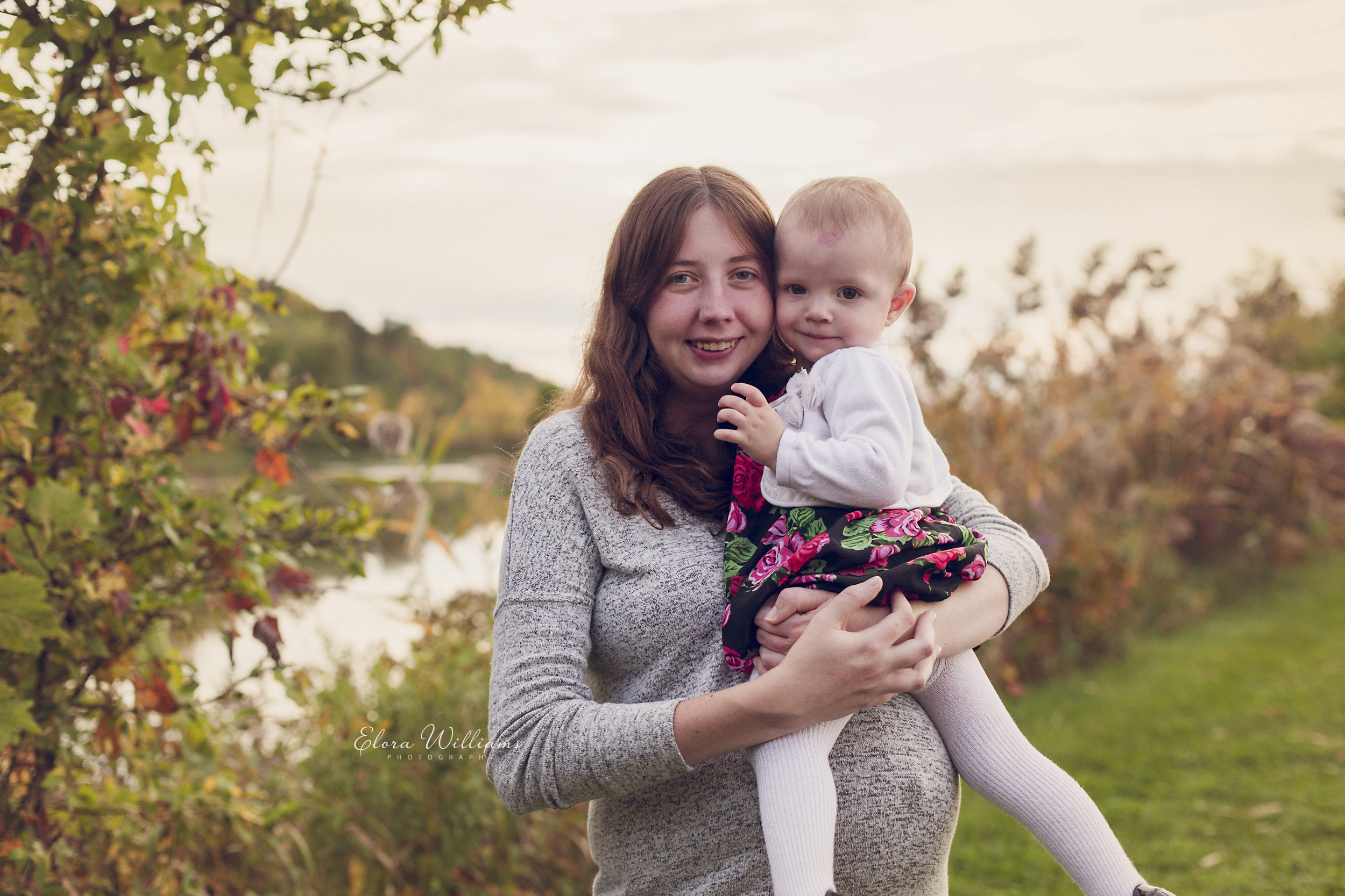 Outdoor Maternity |  St Catharines, Elora Williams Photography