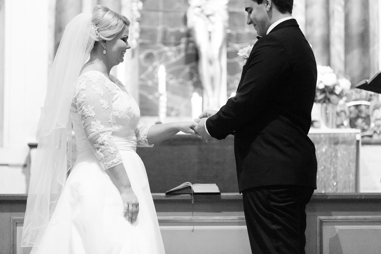 032-sweden-vidbynäs-winter-wedding-photographer.jpg