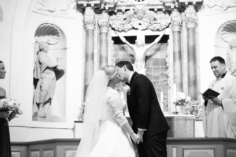 034-sweden-vidbynäs-winter-wedding-photographer.jpg