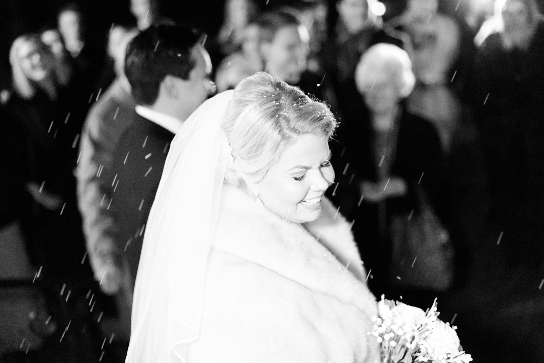 041-sweden-vidbynäs-winter-wedding-photographer.jpg