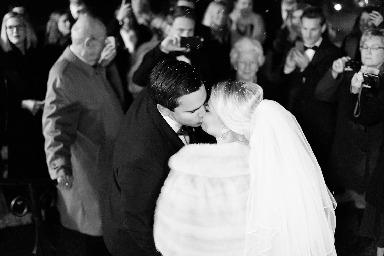 042-sweden-vidbynäs-winter-wedding-photographer.jpg