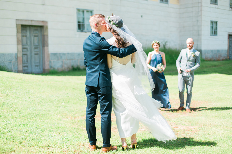 037-sweden-mälsåker-mariefred-wedding-photographer-videographer.jpg