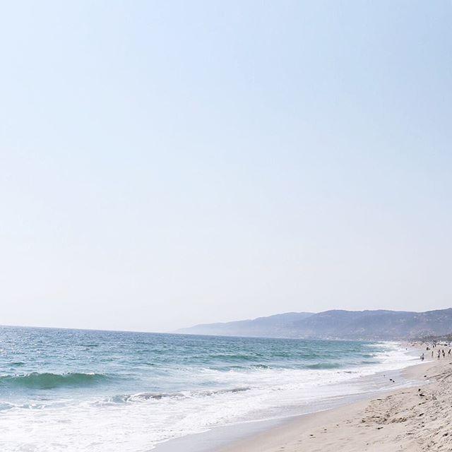 100816 inspo: In oceans deep, my faith will stand 🎶 [photo taken on my most recent trip to Malibu] . . #dallasblogger #styleblog #style #fashionblog #blogger #fblogger #styleblogger #lookbook #flashesofdelight #mystyle #pursuepretty #bloggerstyle #fashionista #liveauthentic #christian #instatravel #instapassport #wanderlust #ocean #darlingweekend #exploretheworld #travelbug #livecolorfully #livethelittlethings #petitejoys #faith #yougotitright #followme