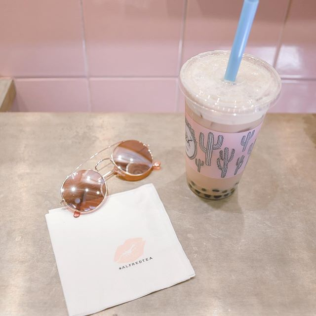What's your mid-week motivation? Checking off my to-do's, but I think they're multiplying. Gimme a bubble tea boost!!! ⚡️ . . . #dallasblogger #styleblog #fashionblog #blogger #fblogger #styleblogger #flashesofdelight #fblog #pursuepretty #bloggerstyle #thatsdarling #tea #fashionista #dallasfashion #wiwt #livecolorfully #fashiondiaries #bubbletea #pink #sunglasses #coffee #followme #alfredtea #abmhappylife #thehappynow #rosegold #acolorstory #vsco @alfredtea #instadessert #coffeeshop