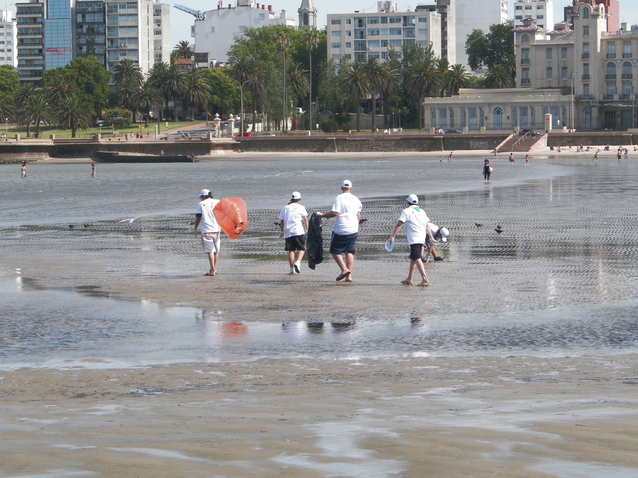 International Coastal Cleanup 2013 in Uruguay
