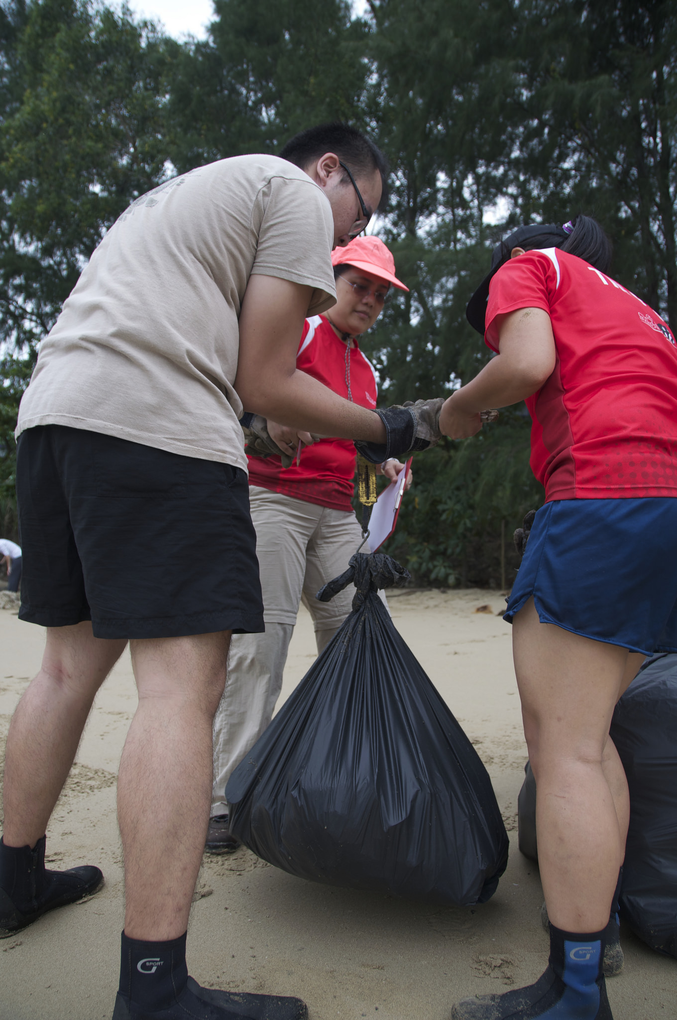 Singapore - Tanah Merah Beach - 1.4-volunteers.jpg