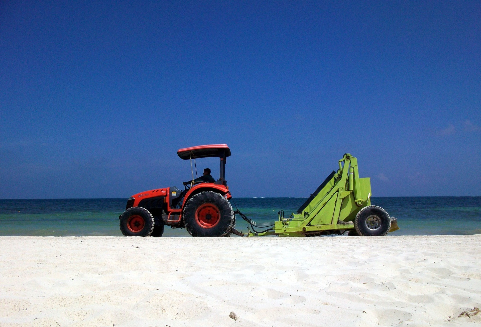 PUBLIC WORKS AND BEACH MAINTENANCE PERSONNEL