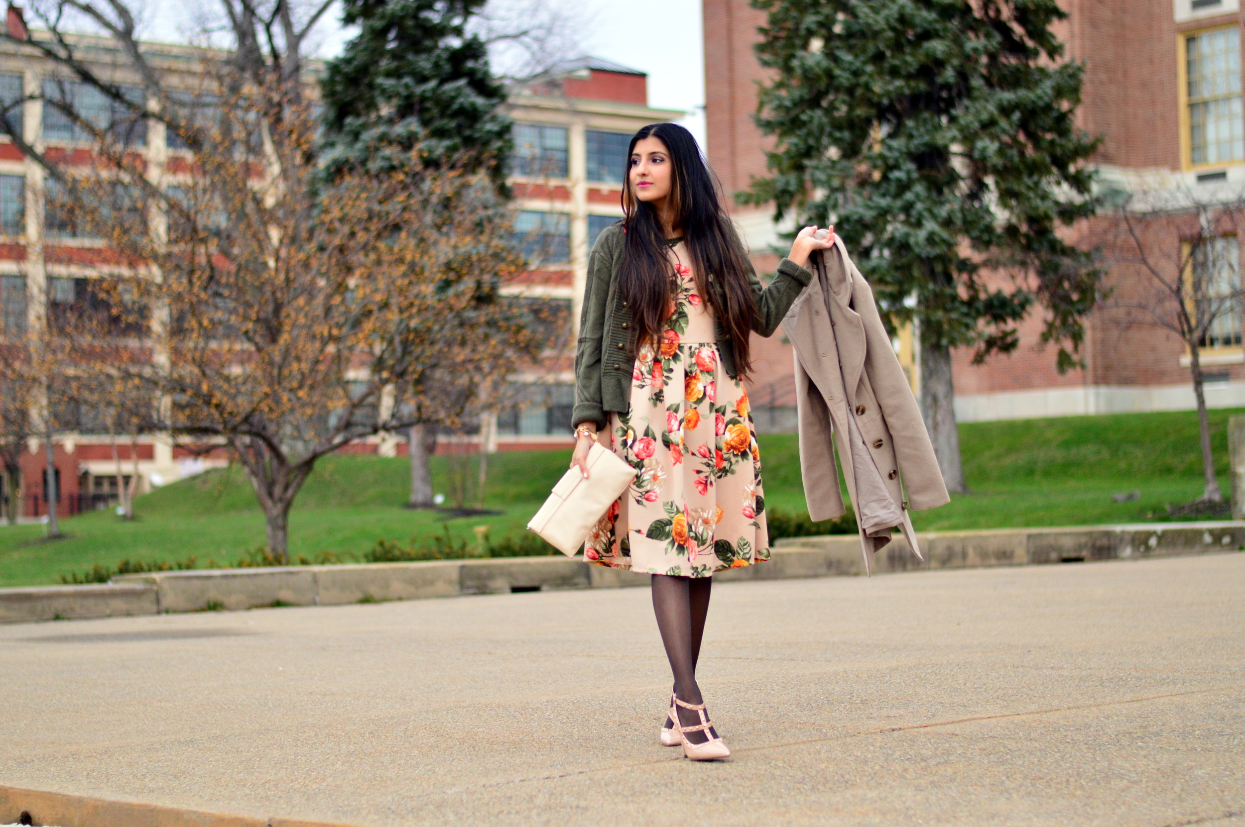 Floral Frock-Holiday Outfit-Hanes Hosiery 3