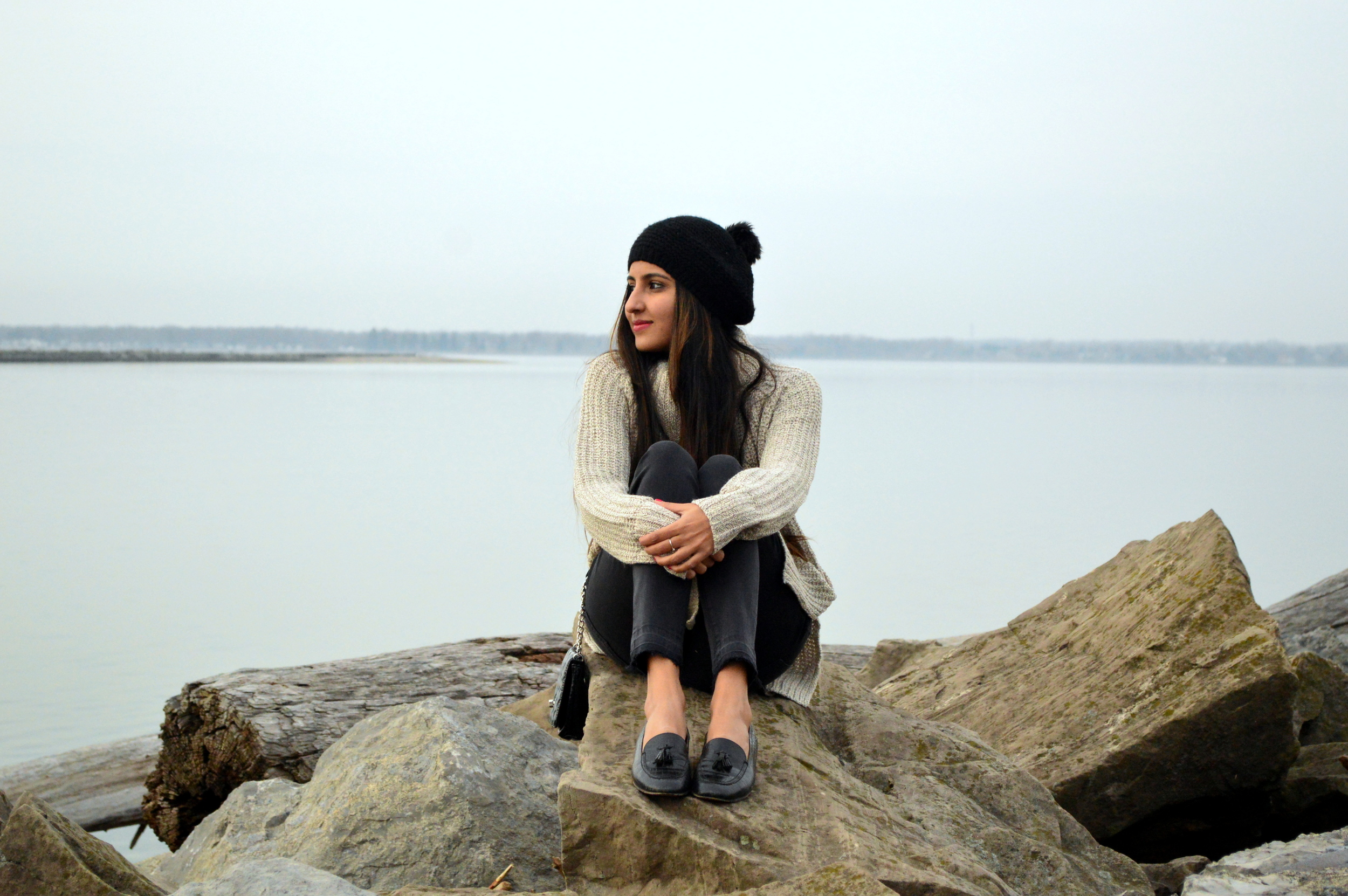 turtleneck sweater-casual weekend style-pom beanie 9