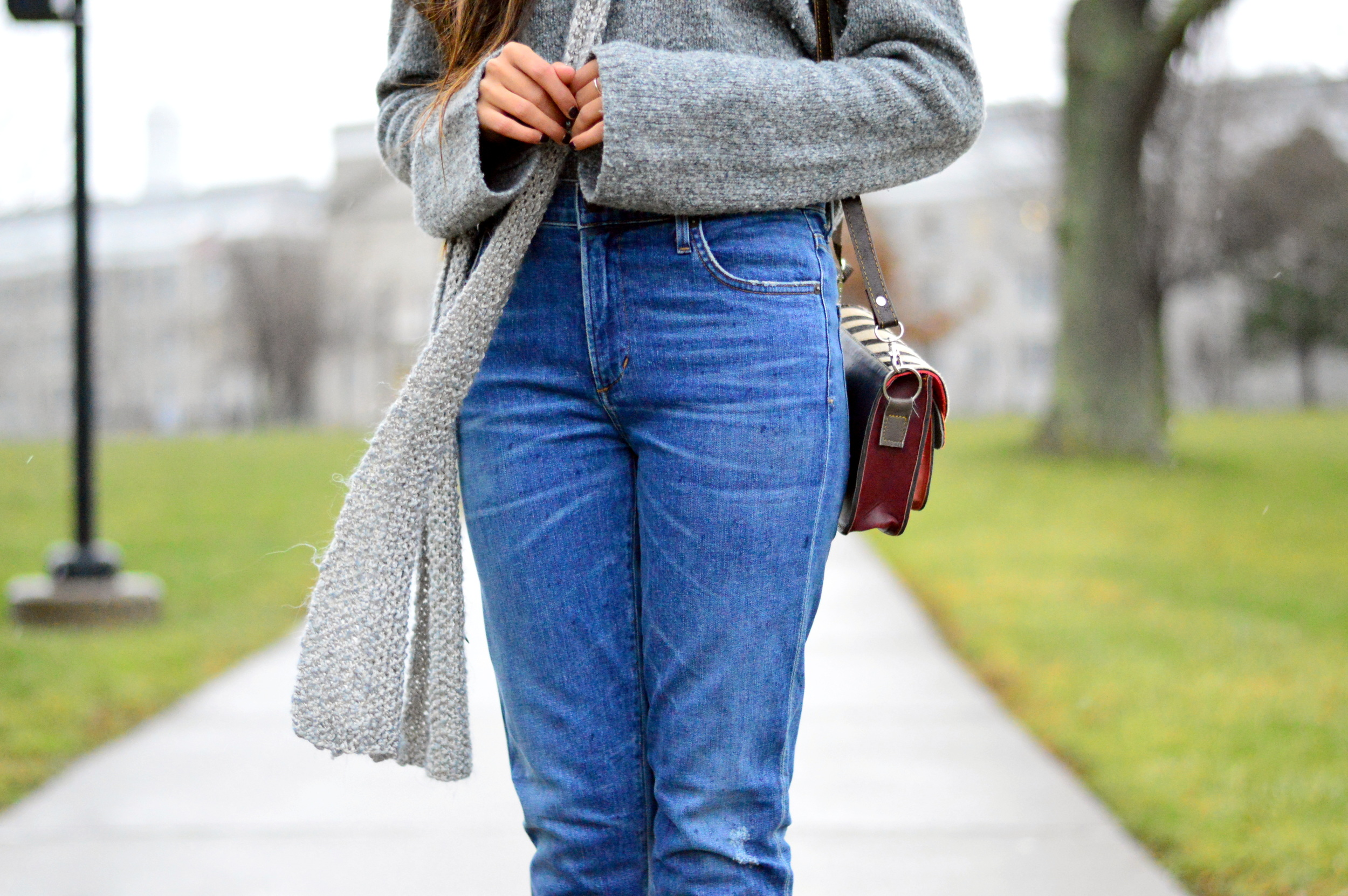 Grey-Skinny Scarf-High waisted jeans- #IFCHIC24 4