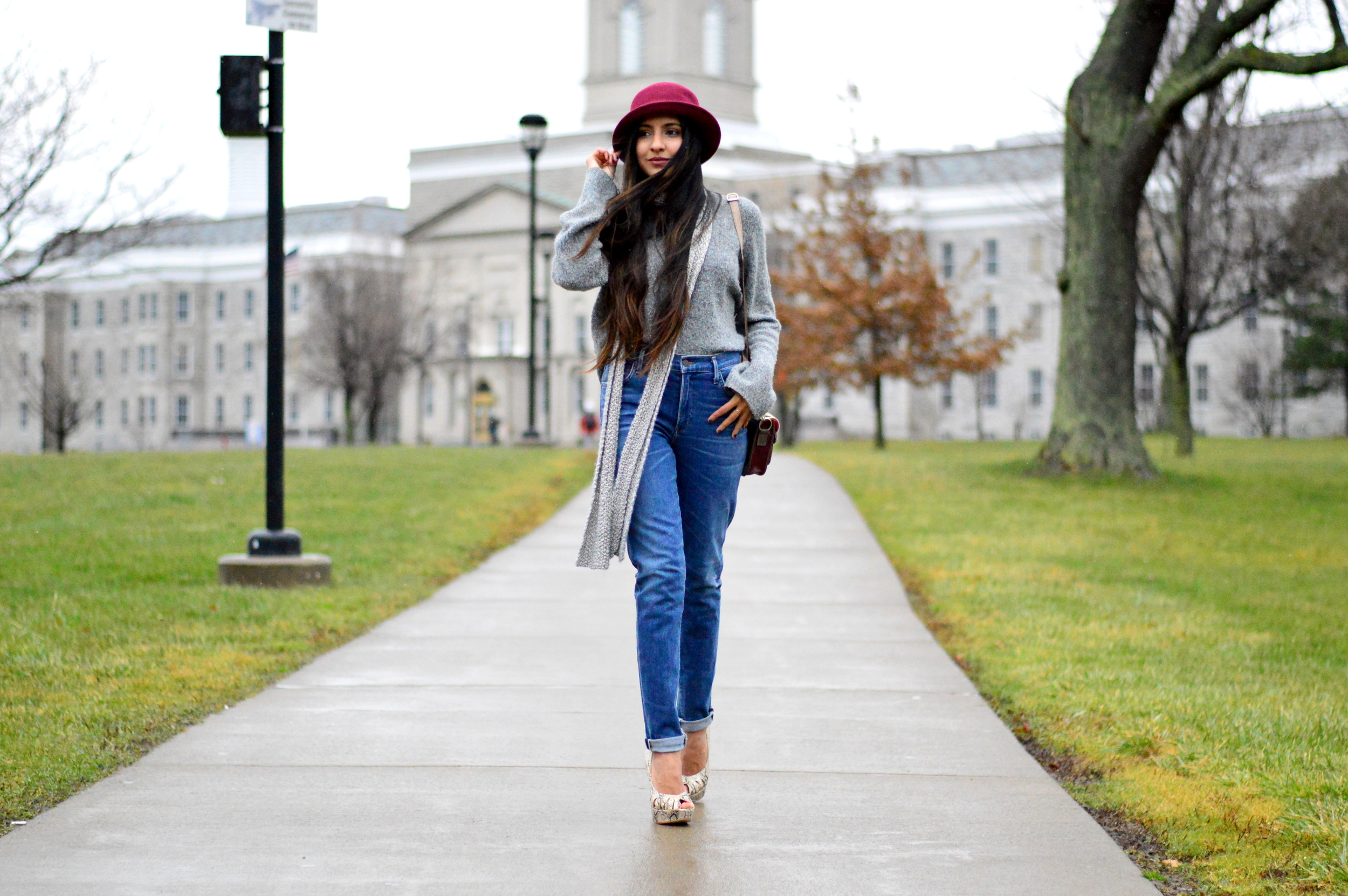 Grey-Skinny Scarf-High waisted jeans- #IFCHIC24 5