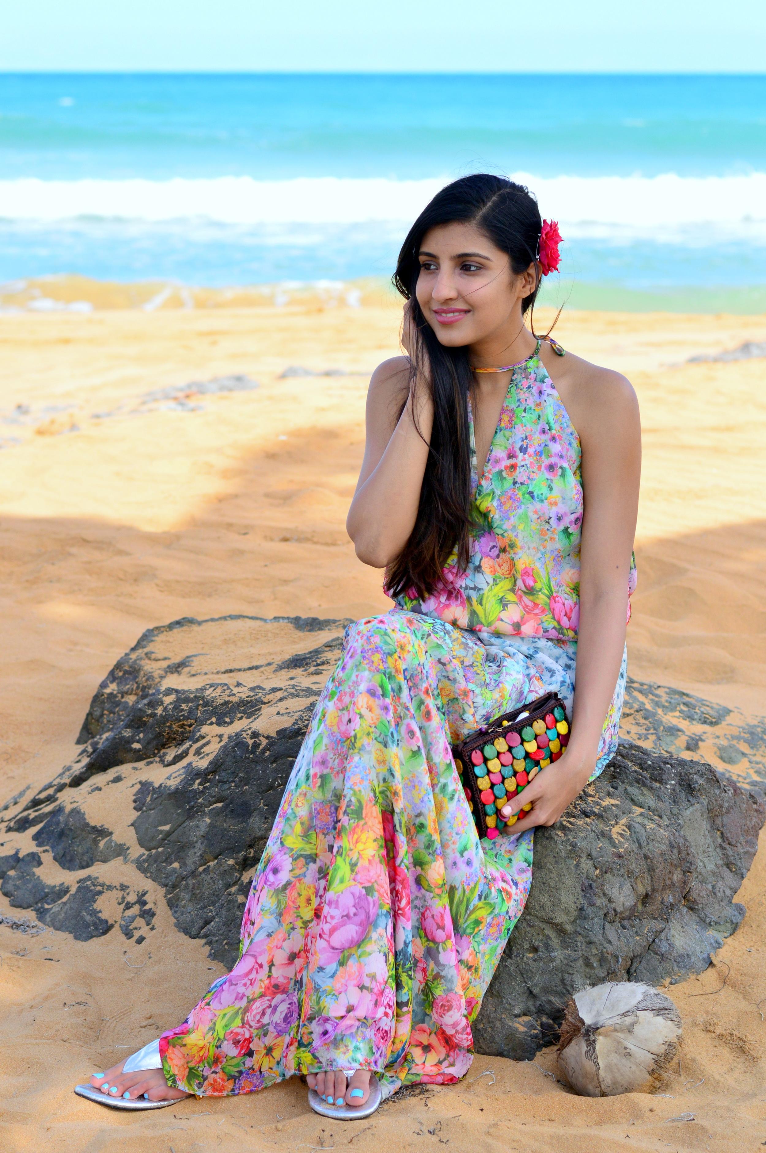 floral-maxi-dress-beach-outfit