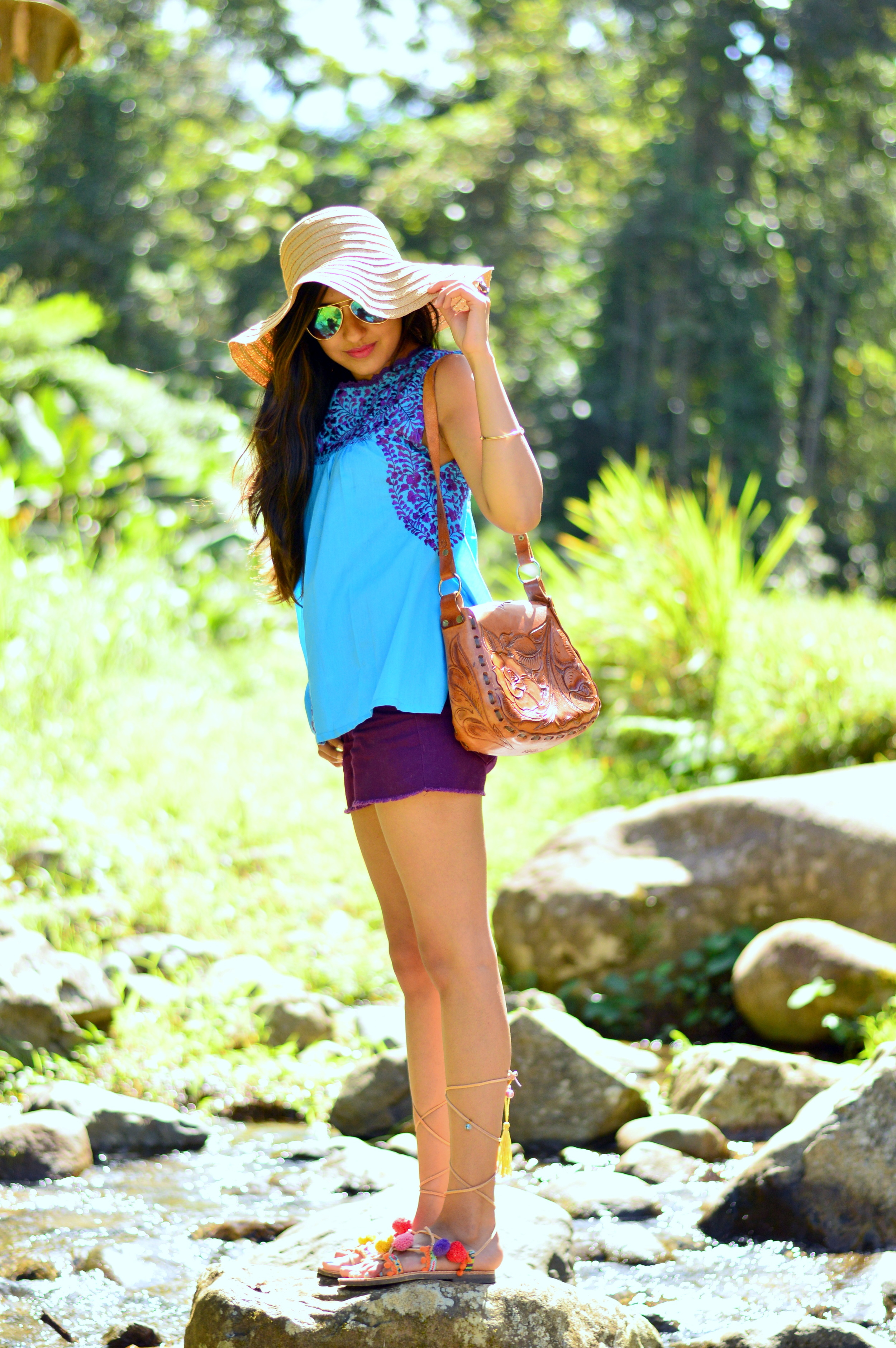 casual-uniform-tropical-vacation-style