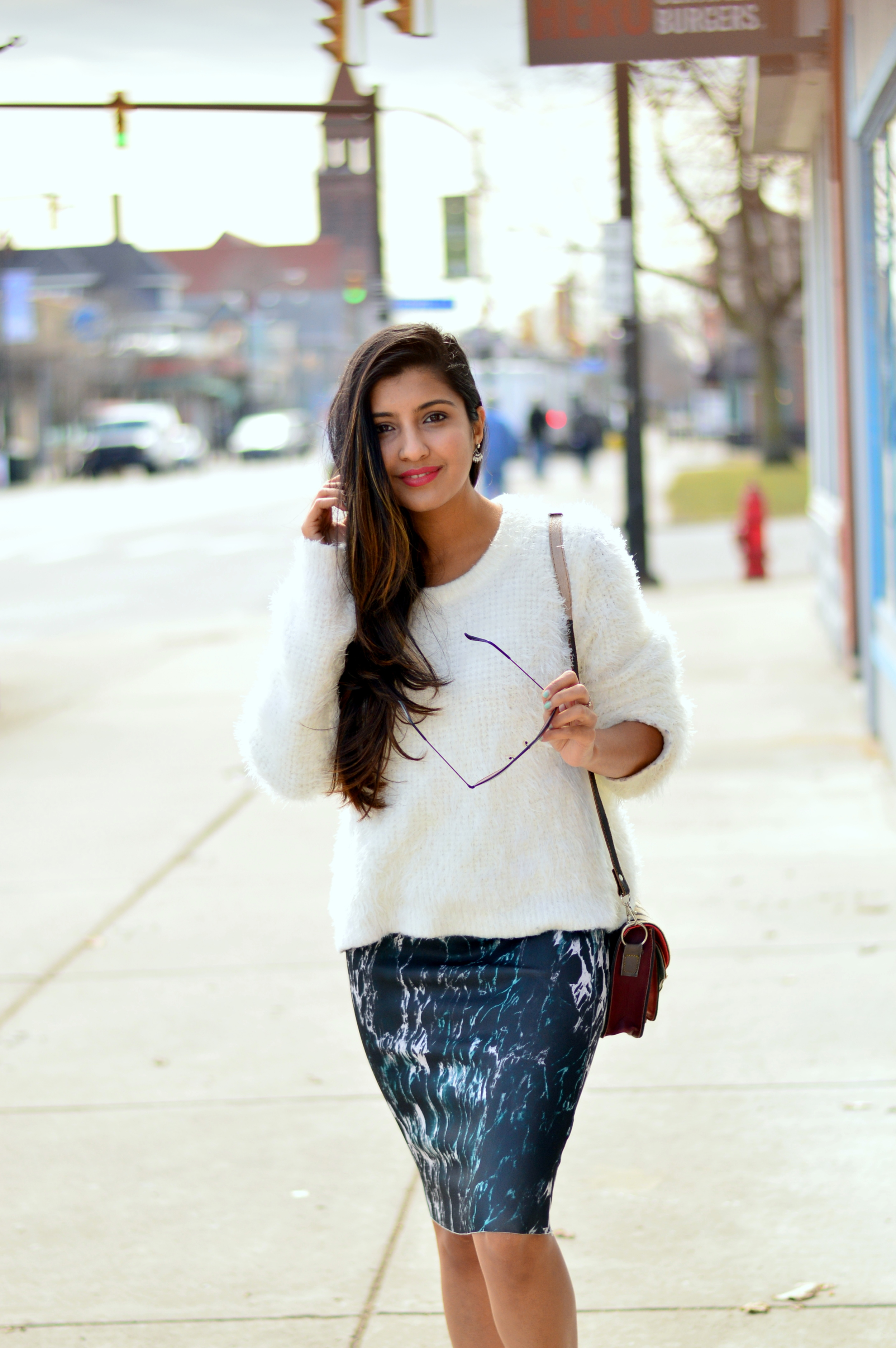 sweater-pencil-skirt-sneakers-style-blogger 5