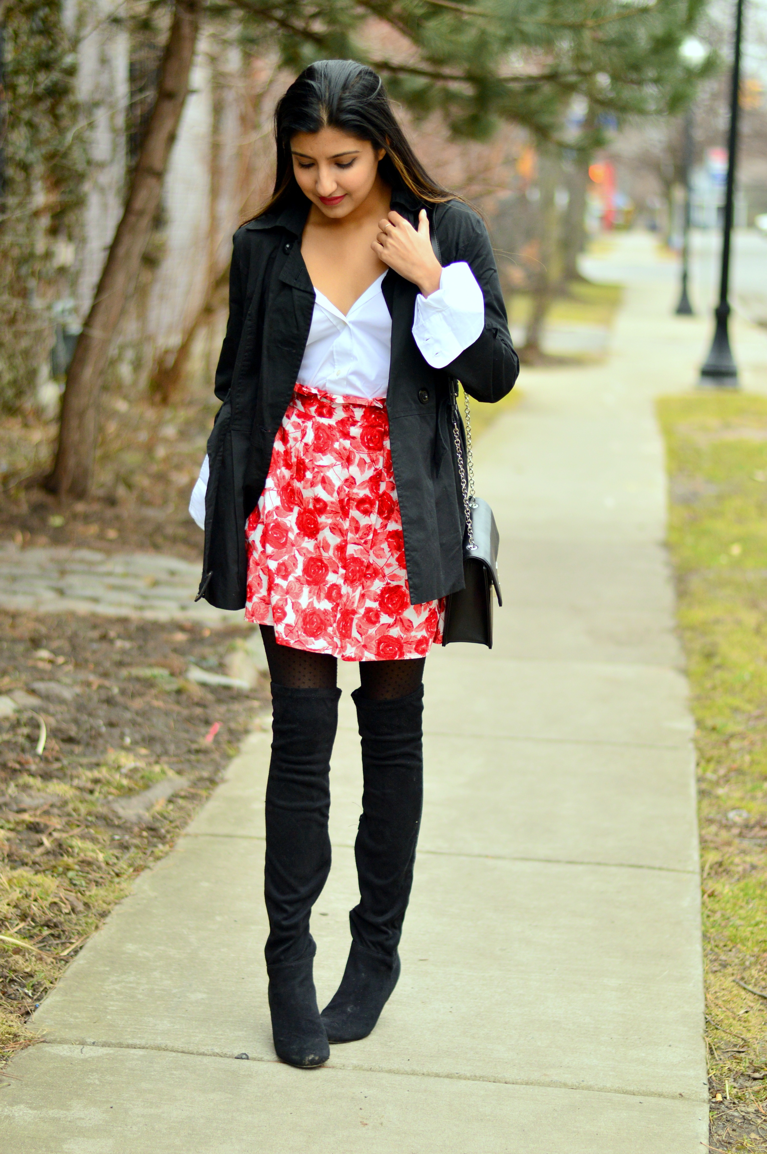 trench-coat-white-buttondown-spring-style 3