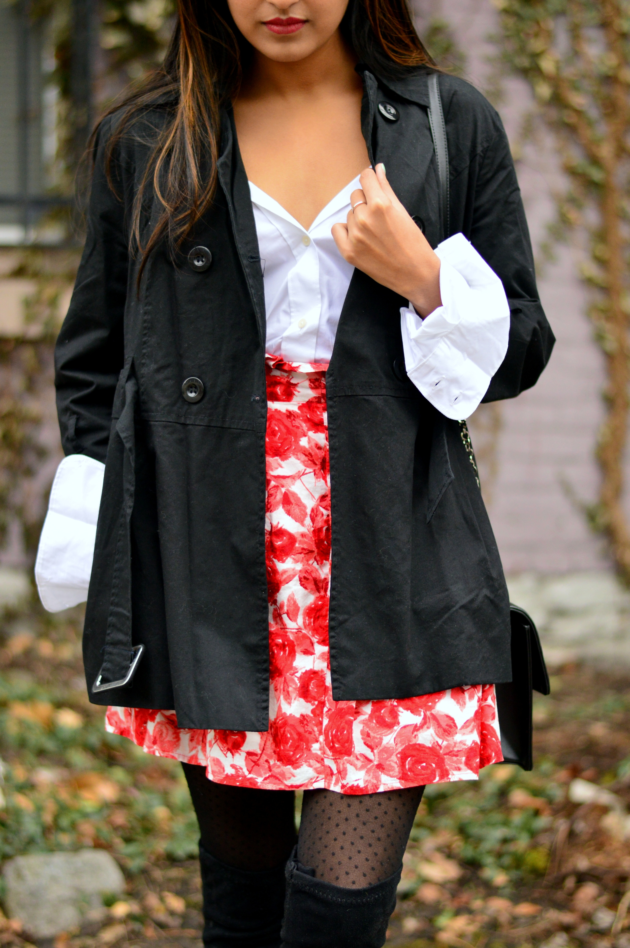 white-buttondown-as-off-shoulder-spring-style 4
