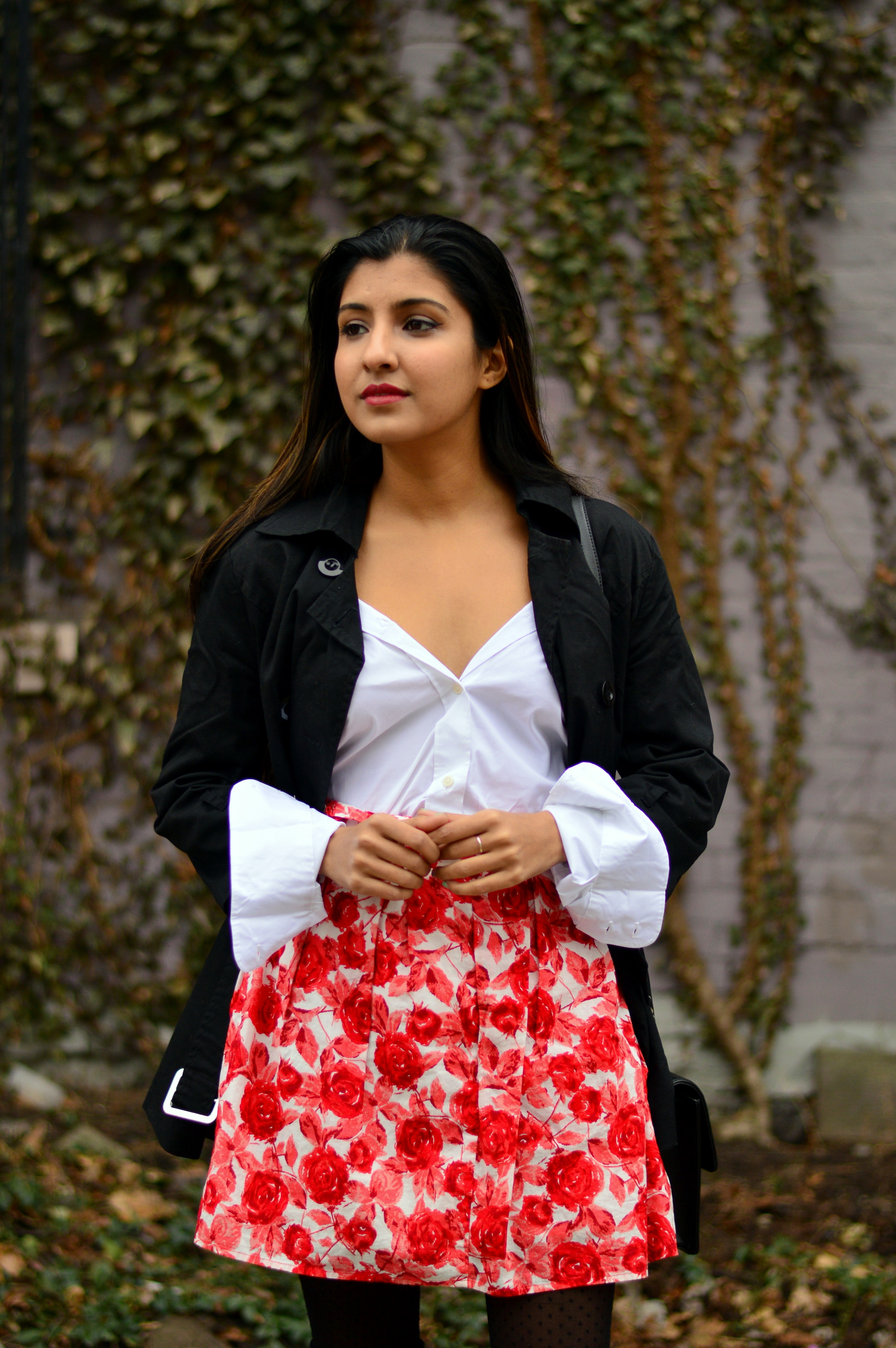 white-black-red-spring-blogger-outfit 6