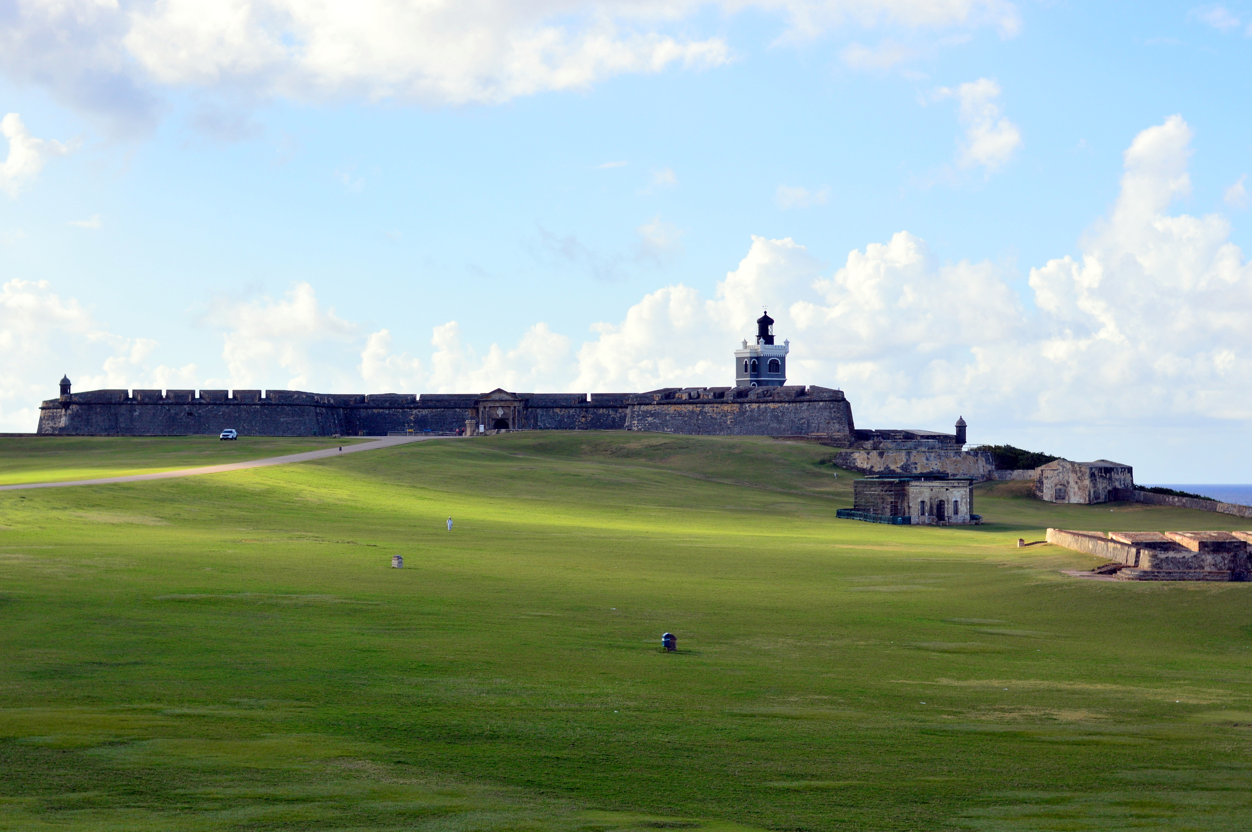 Castillo-del-morro-old-san-juan-travel-guide