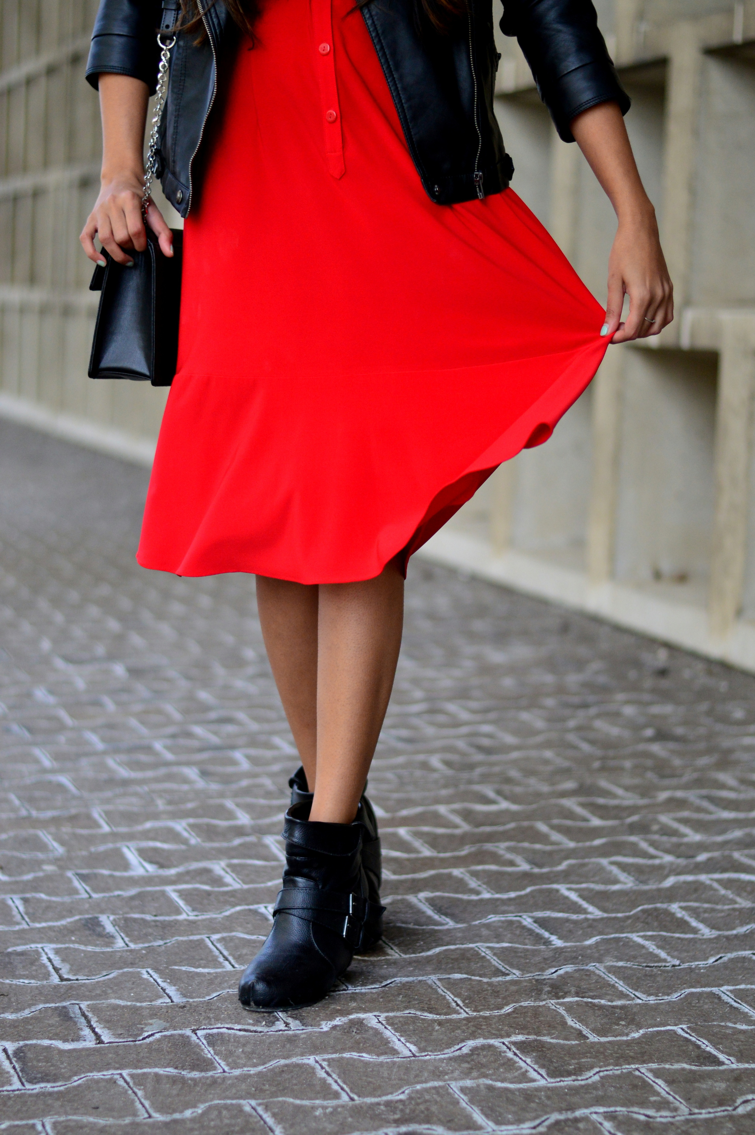 red-midi-shirtdress-spring-style-blogger-outfit 2